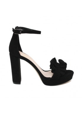 Sandalo tacco alto in camoscio con smerletto nero Silkò