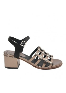 sandalo in pelle bronzo borchie tacco basso dei colli